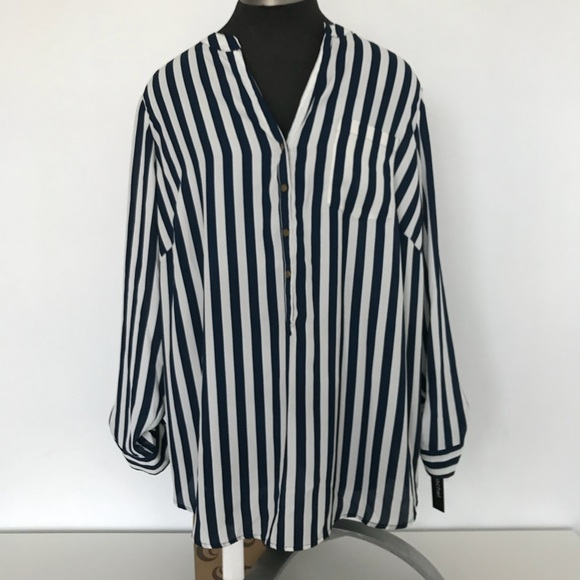 9f8652483b6 NWT Zac   Rachel Navy Blue and White Strped Blouse